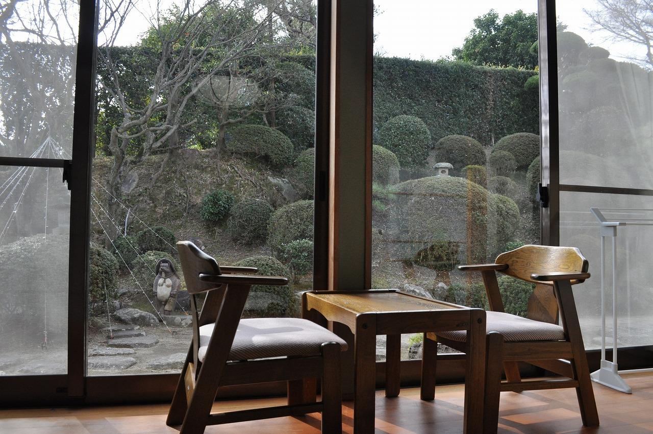 お庭を望む!山側・割安和室8畳【向島】1F (お部屋からの眺め)