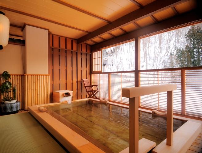 冬の露天風呂「燧ヶ岳の湯」