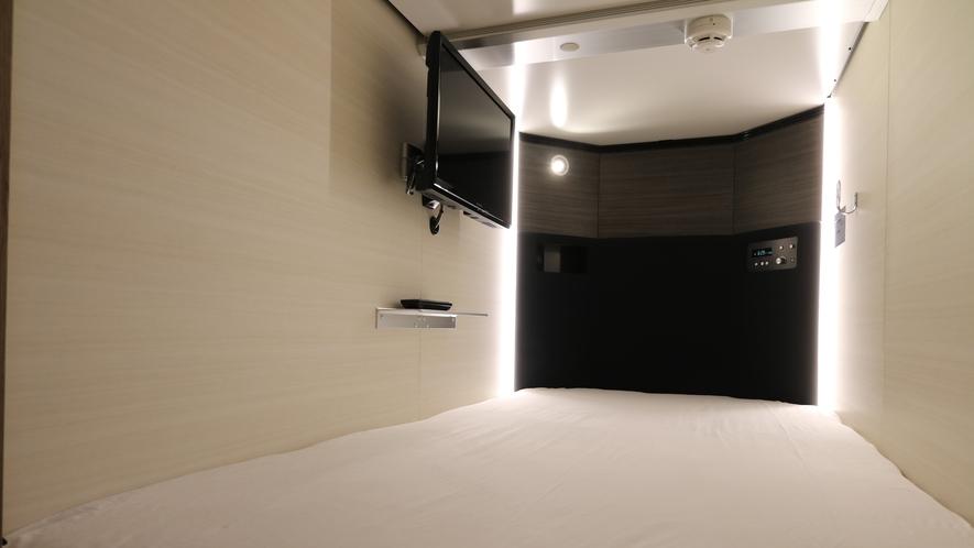 【モデレートキャビンTV有】室内にUSBジャックとコンセント完備。室内でフル充電してください。