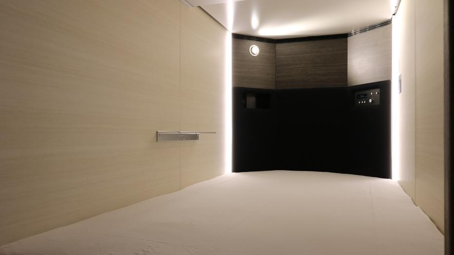 【モデレートキャビンTVなし】室内にUSBジャックとコンセント完備。室内でフル充電