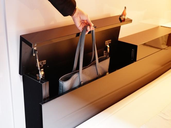 【貴重品ボックス】鞄がスッポリ入ります!
