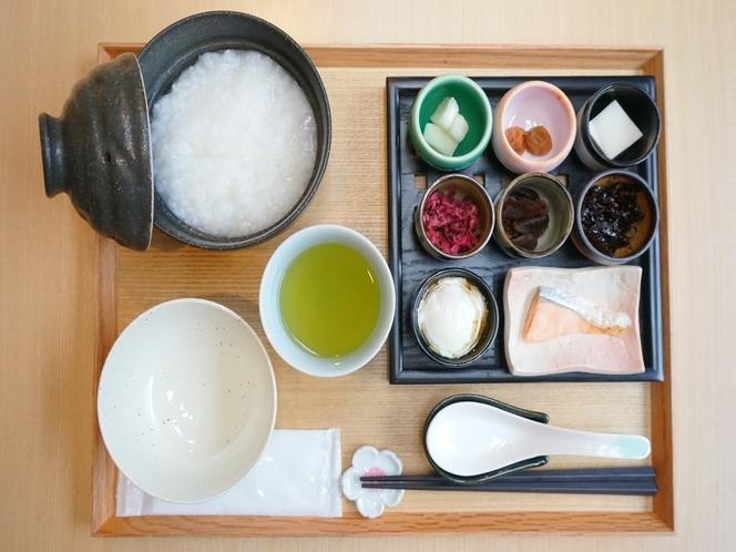 【朝食】世界遺産天龍寺御用達、「京つけもの もり」の漬物を使用