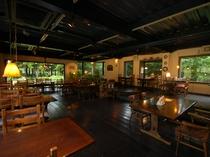 ご夕食は雰囲気のある別棟 自然レストランで・・・