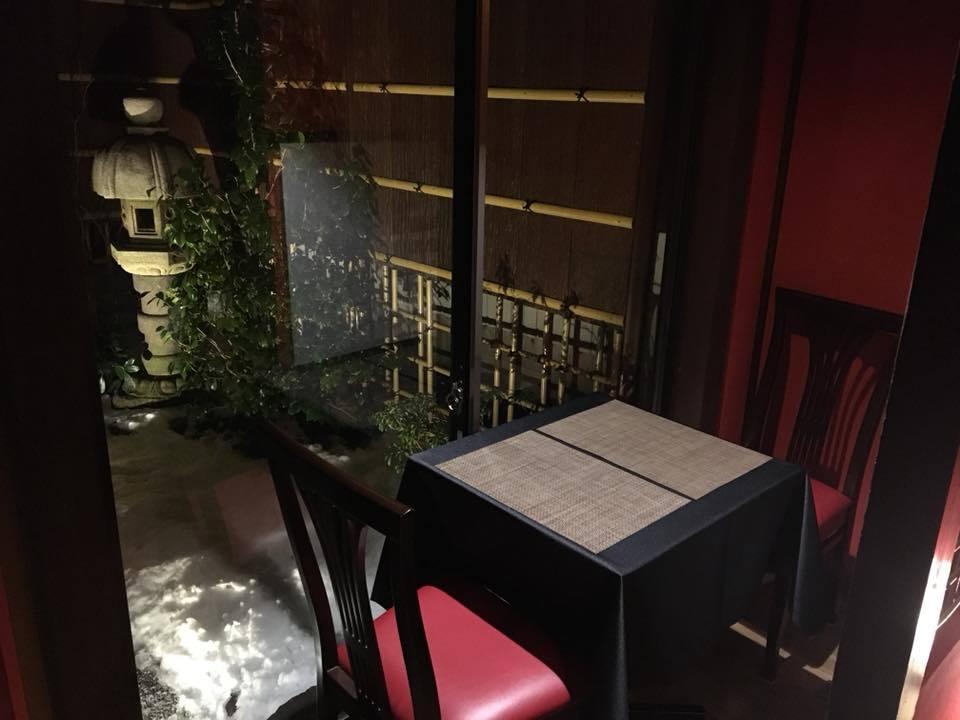 庭横テーブル