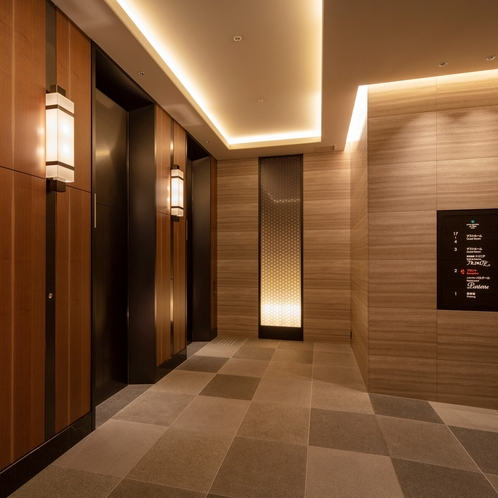 EVホール1階