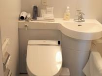 コンパクトで清潔なトイレ♪