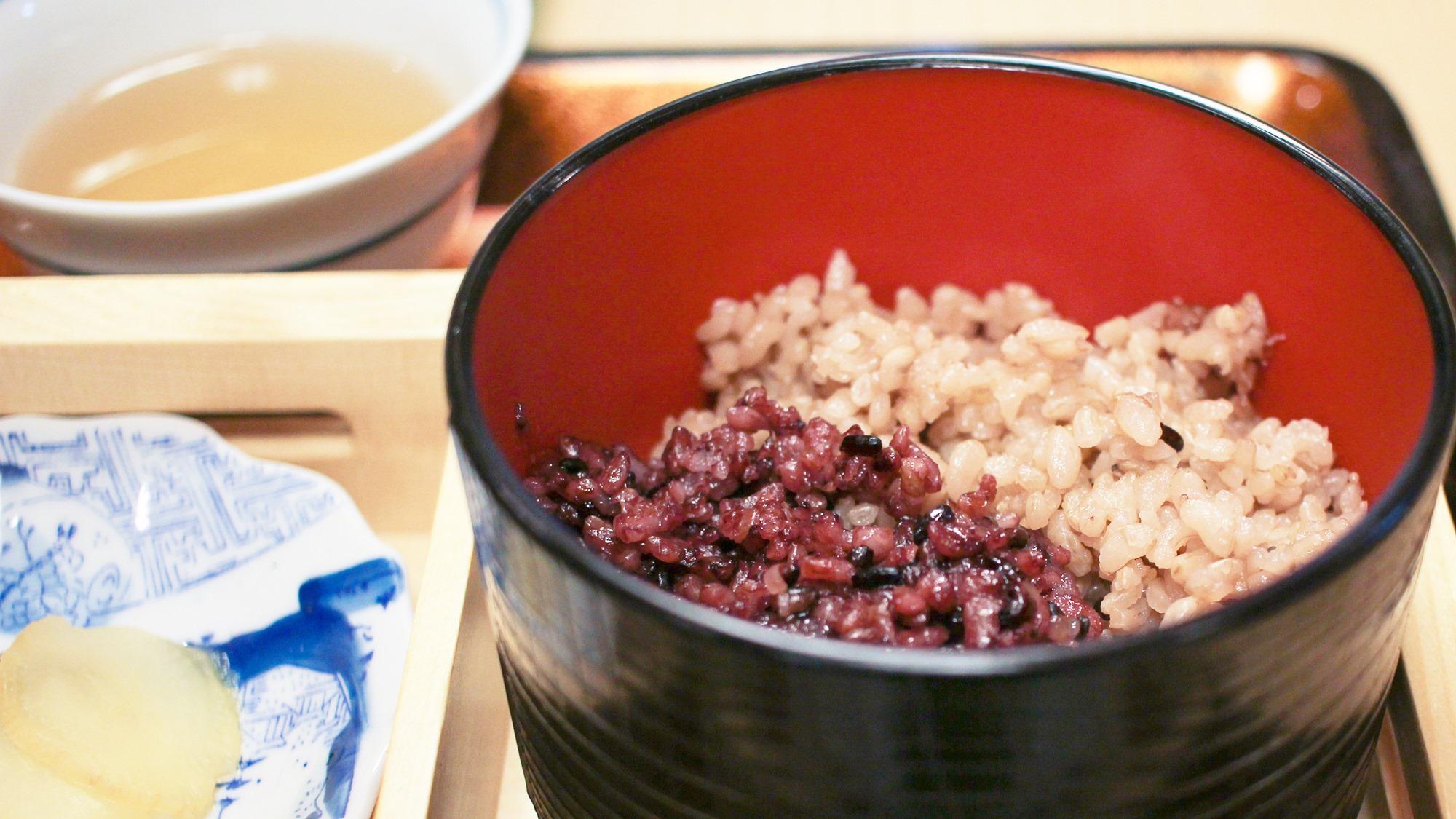 *【和朝食一例】古代米(黒米・五分づき玄米)のご飯は珍しいと評判!黒米は白米より栄養が豊富で健康的♪