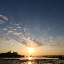 ホタテビーチ|気持ちよい海風を感じながら、夕暮れのお散歩もおすすめです。