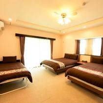【Scallop(C)】|広々3ベッドルーム♪(ダブルベッド2、シングルベッド1のお部屋)