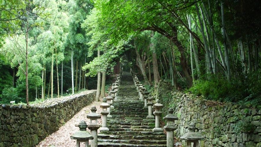 *【周辺】万松院(徒歩で約5分)