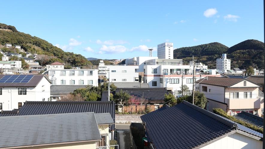 *【客室一例】ツインルームからの眺め(山側)