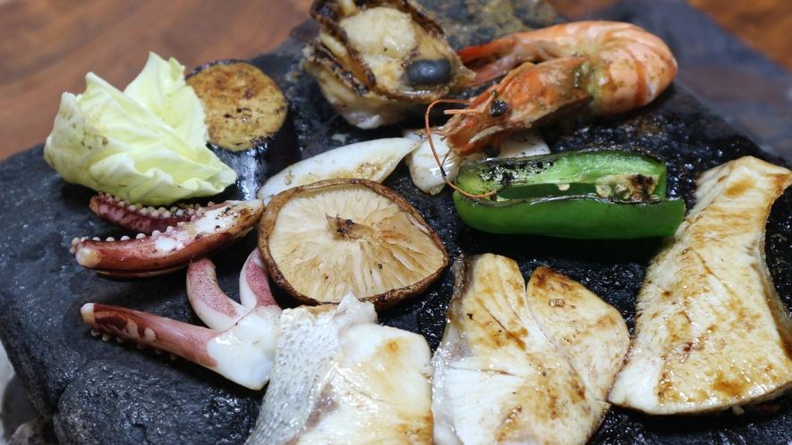 *【夕食一例】郷土料理「石焼き」生姜ベースの自家製だれが決め手