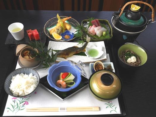 【朝夕2食】会席料理を個室食でゆっくりと〜厳選された旬の味を五感で味わう〜【貸切風呂はオプション可】