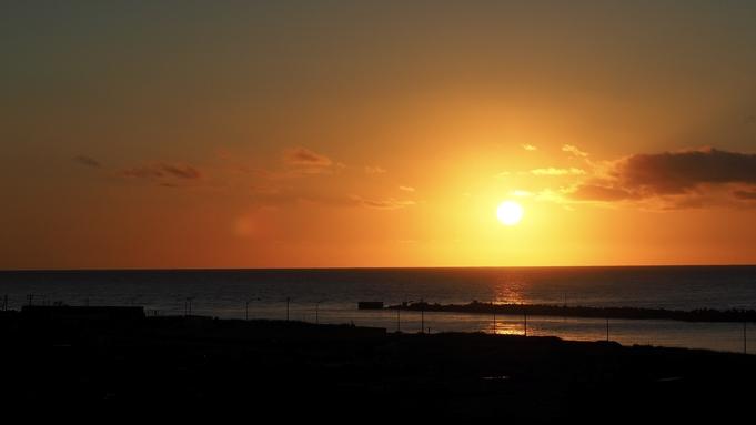 【海側の部屋確約】日本海に沈む絶景の夕映が見れます!!!<素泊まり>