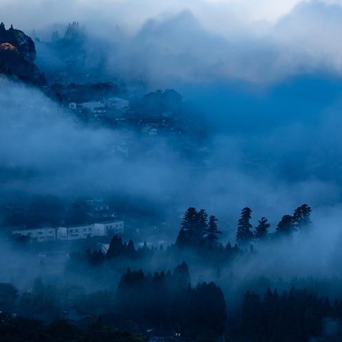 狭霧台からの朝霧