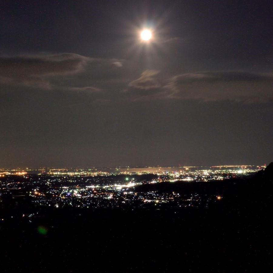 ◆伊勢湾一望を一望できる夜景