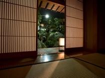 美しい日本庭園をお部屋から眺める贅沢なひととき