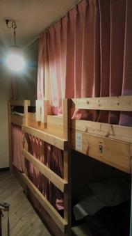 女性用ドミトリー(4人部屋、2段ベッド)