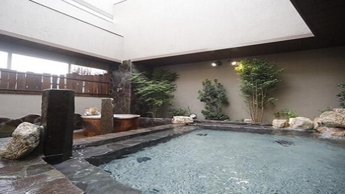 【夏旅セール】素泊り&12時チェックアウトプラン♪ ★ポイント10倍★ 天然温泉大浴場完備!