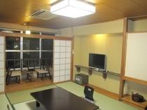 ガーデンサイド:和室10畳+広縁