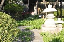喜仙庭園:すずらん(4月中旬)