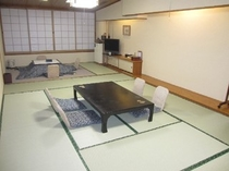 新館:和室13.5畳+4.5畳掘りごたつ