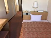 【シングルルーム】12㎡/ベッド幅120㎝全室セミダブルベット使用