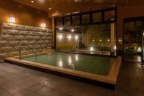 男性大浴場(内風呂/夜)
