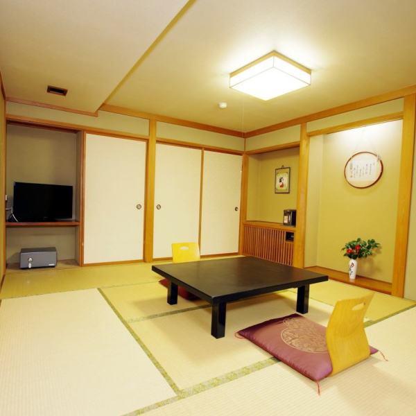 和室8畳(洗面台・トイレ付き)