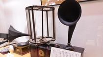 *日本一古いラジオ。日本初輸入のラジオは天皇家、三井物産、逓信大臣、古屋旅館など5台が輸入されました