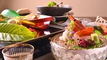 *幅広い年代が召し上がる旅館の食事、内容と量を料理長やスタッフで議論しながら構成します。