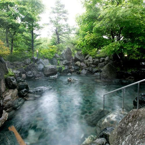 【夏】深緑の五色温泉露天岩風呂