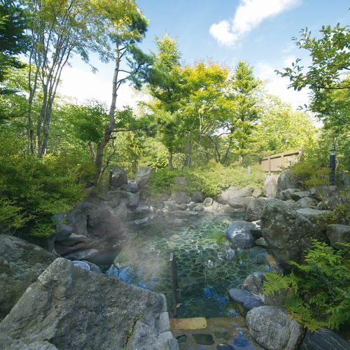 【夏】新緑の五色温泉露天岩風呂