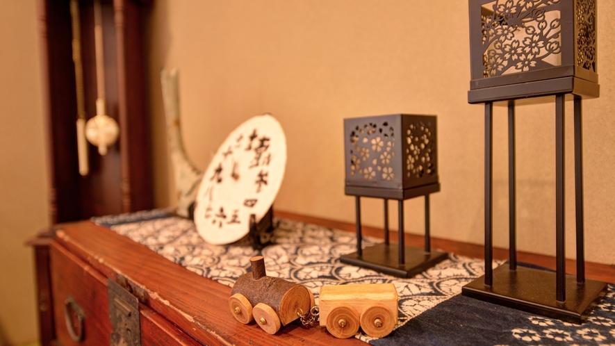 *◆別館◆ロビー/和の小物が並ぶ純和風の別館。旅館ならではの風情をお楽しみ下さい。