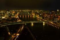 萬代橋と信濃川の夜景(一例)