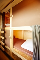 ドミトリーサーファーズベッド女性専用スペース