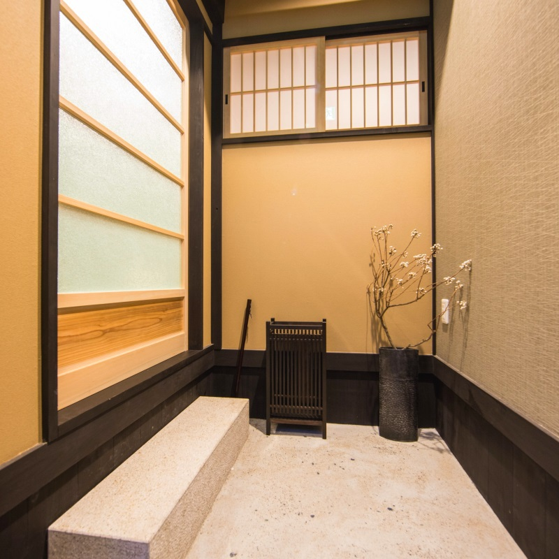 玄関は京町屋ならではの【通り庭】