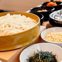 1階_アジアンレストランKarakurenai(唐紅花)_朝食_うどんイメージ
