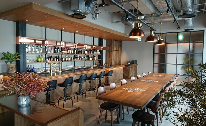 5階 Captain's Grill and Bar