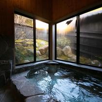 客室「山桜」半露天風呂