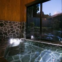 客室「椿」半露天風呂