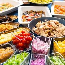 【朝食バイキング】朝からしっかり召し上がる方も安心!種類豊富な朝食を召し上がれ♪