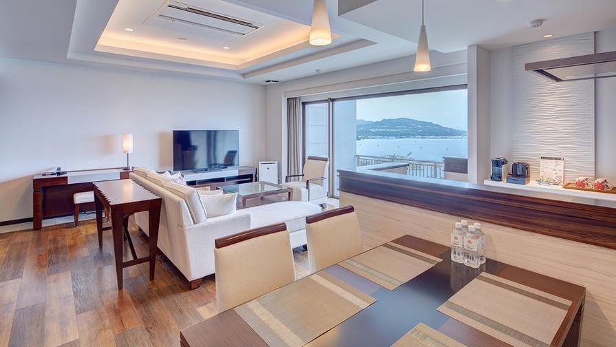 【最上階・インフィニティフロア】壮大な東シナ海を見渡すステイ(お部屋のみ)