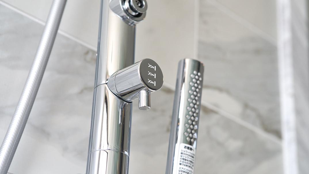 【インフィニティスイート・2ベッドルーム/メインバスルーム】 ワンランク上のシャワーヘッドを設置。