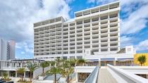 【アラマハイナ コンドホテル】 沖縄美ら海水族館」は車で5分/「海洋博公園」まで徒歩約3分