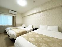 ホワイトファミリースイート 寝室