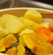 道産の蒸し野菜