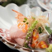 *【夕食(お造り)】鮮度を感じる地産の魚をお刺身で