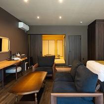 *【かえで(客室 一例)】ブラウンの落ち着いたインテリアが特徴のお部屋です。