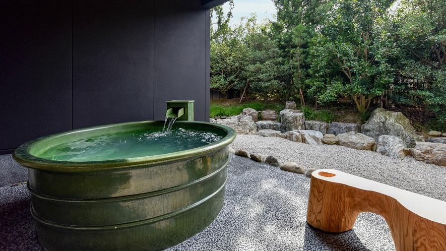 **【部屋・露天風呂(さくら)】名湯・榊原温泉を当館でお愉しみいただけます